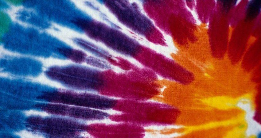 5 ý tưởng trang trí vải nhuộm màu loang cho ngôi nhà của bạn