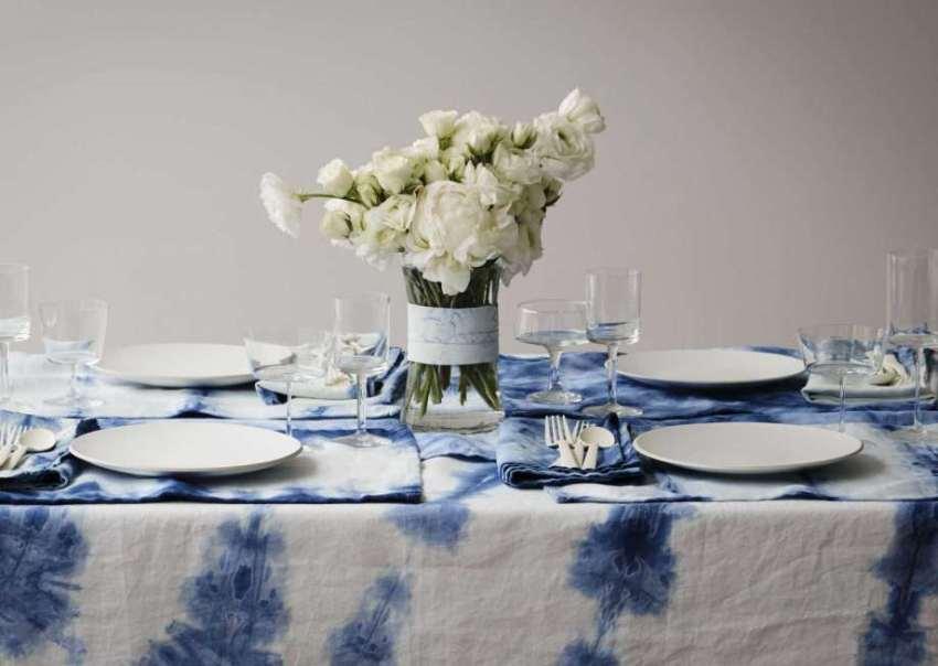 khăn trải bàn màu loang