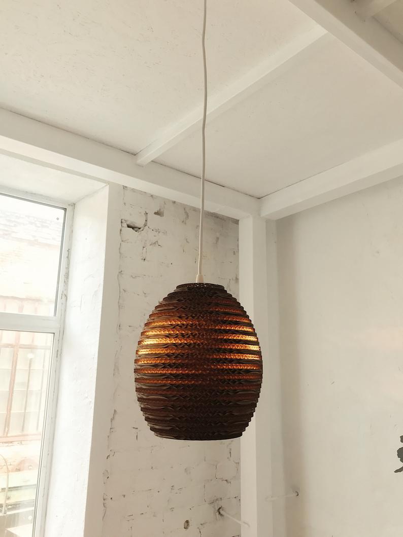 chao đèn làm từ giấy carton