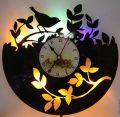 đồng hồ làm từ đĩa than